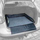 Cama Trixie para el coche con protección para el parachoque