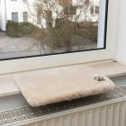 Plüschi párna ablakpárkányra
