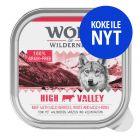 Wolf of Wilderness Adult -lajitelma, monta makua